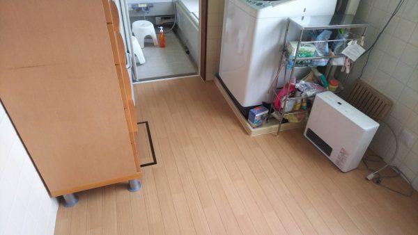 キレイなクッションフロアが貼られた床の写真